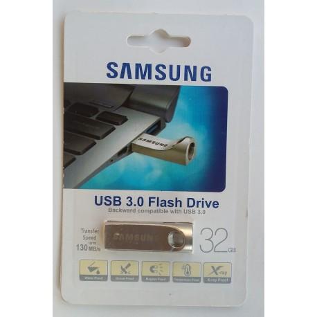 SAMSUNG 32 GB USB Flash Drive