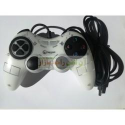 Lanjue Analogue & Digital Plug n Play Gamepad